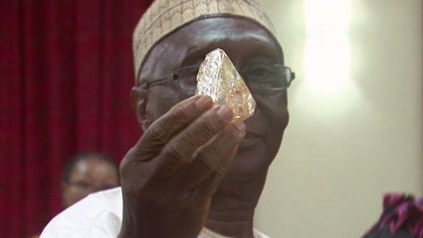 diamante de 700 quilates
