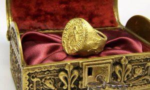 Las curiosidades del Anillo del Papa