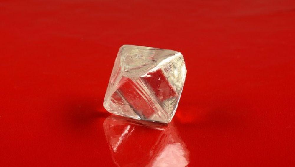 dos-diamantes-enormes-siberia-raros