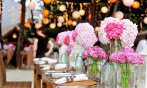 La alianza Corazón en rubí para bodas románticas