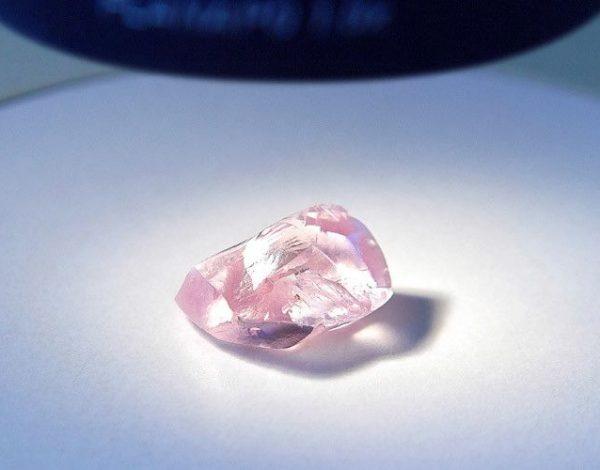 El diamante rosa mas grande de Alrosa
